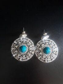 Like new shiny indian style drop earrings