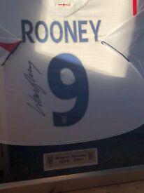 Signed and framed Wayne Rooney shirt