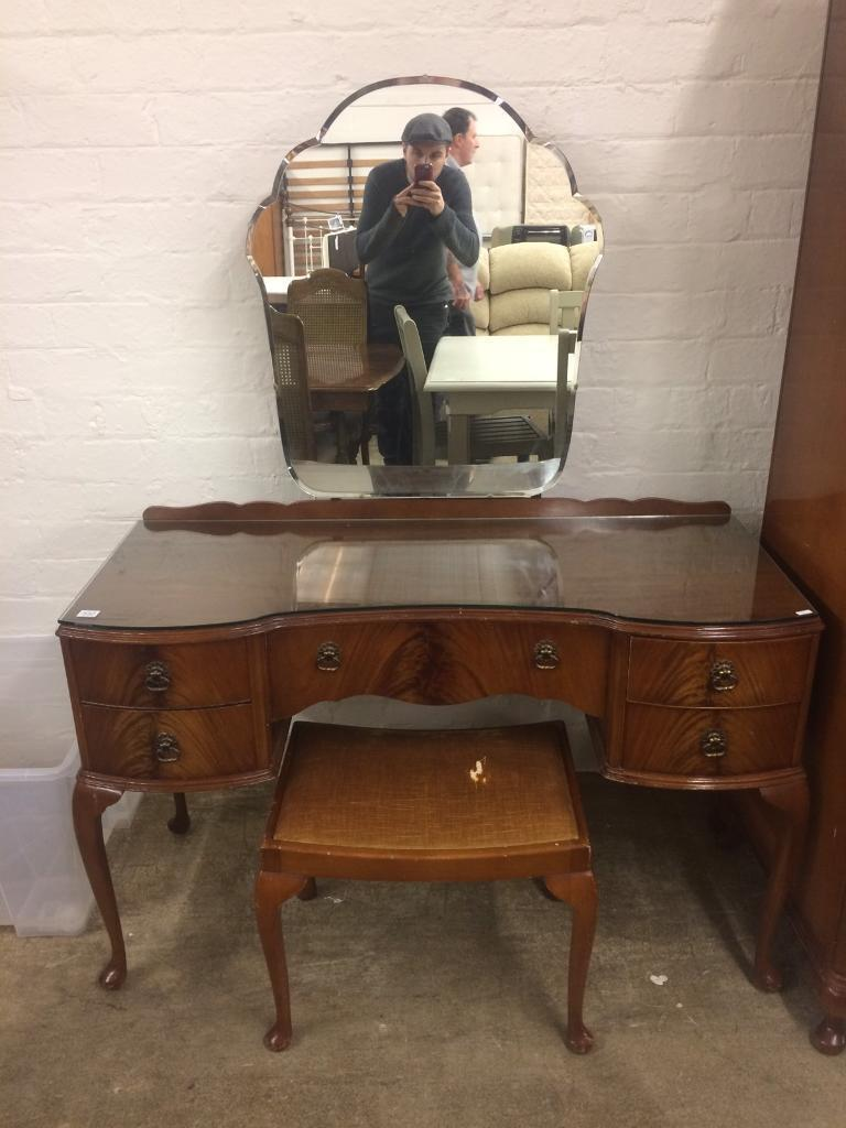 Queen Anne Bedroom Suite Vintage Walnut Queen Ann Dressing Table With Matching Stool In