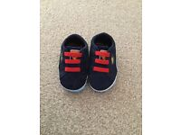 Baby Boys Puma Suede Superman Crib Trainers- UK 2 (6-9 months)