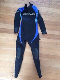 """Junior Wetsuit, XL, for child height approx 4'10""""-5'"""