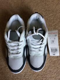 Boys trainers, size 1