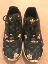 Funky girls Adidas Torison flower trainers, barely worn UK 2