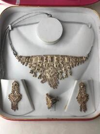 Women's jewellery set Necklace, Earrings & ring