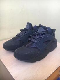 Nike Air Huarache (Men's 9.5)