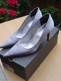 Jasper Conrad womens heel shoes