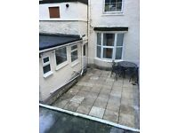 1 bedroom ground floor flat avaliable for rent in Torquay Town Center.