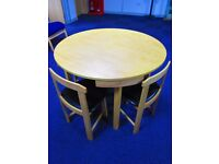 Round table and chairs, 6 months old, ex argos. great condition