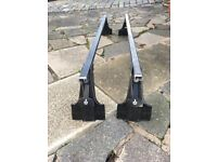 Genuine locking Mitsubishi roof bars for Shogun
