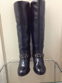 Brand new leather boots in very good condition only £40 size 7