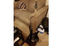 Ibanez Gio Soundgear GSR-200 (Black) Active 4-String Bass Guitar
