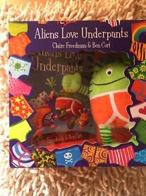 Aliens love Underpants Gift Set- New