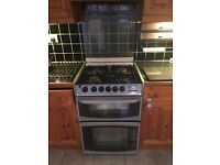 In good condition gass cooker with oven,just need tu be clean