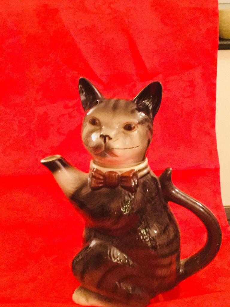 TABBY CAT T-POT