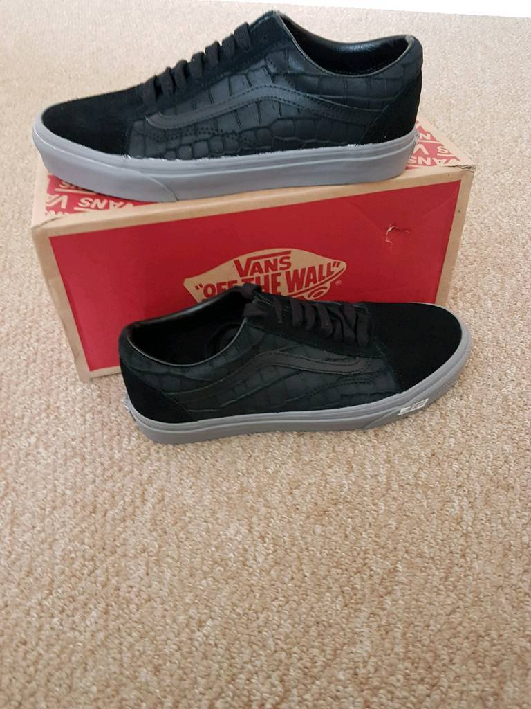 Vans Old Skool. Size 8.5. Brand new with box. RRP £60.  6f0490ea5