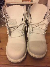 Unisex Timberland Boots Size 7
