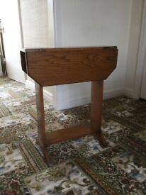 Art Deco Oak Small Drop Leaf Hall/Occassional Table