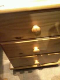 3 pine drawers