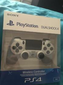 PS4 Sliver controller
