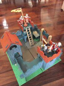 Le Toy Van Camelot Castle Red Wooden Toy Castle