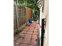 TO LET 3 BEDROOM HOUSE E13 PLAISTOW - NO DSS