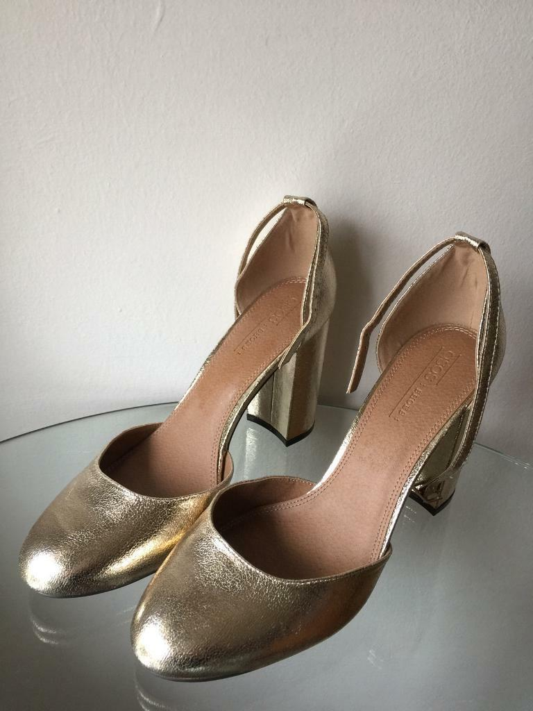 1a8e76ec58a Gold heels ladies shoes size 8 new