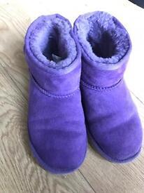 Girls genuine uggs size 2 ugg boots