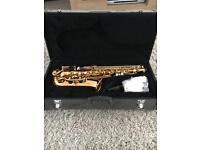 Saxophone Alto in case