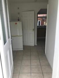 NEWLY REFURBISHED LARGE STUDIO FLAT WITH ALL BILLS INCLUDED £850 PCM