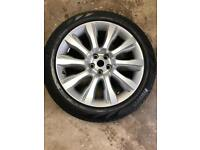 Genuine Land Rover 21inch wheels with pirelli tyres