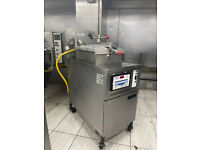 Chicken Shop Equipment - Chip Fryer, Heny Penny, Pizza Fridge Table, Chicken Dispaly HCW5