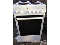 Freestanding cooker 500mm wide