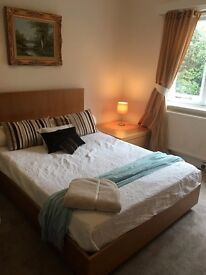 ROOM - PENNHILL -DOUBLE BED - CLEAN QUIET HOUSE WORKING PERSON PLEASE £480 PER MONTH BILLS INCLUDED