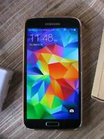 Unlocked Samsung S5  works perfectly -with rapid charger