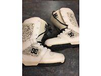 DG snowboard boots