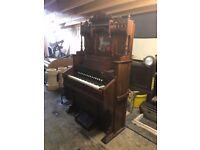 Antique Woodstock Canadian church organ