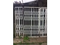 HEAVY DUTY SECURITY GATES, FOR INDOOR USE OR OUSIDE