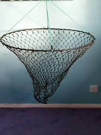 Sea fishing drop net
