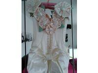 ***FANTASTIC BARGIN*** A unique wedding dress by Jane Baker of Leicester. Original price £5000
