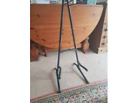 *SELLING GUITAR STAND*