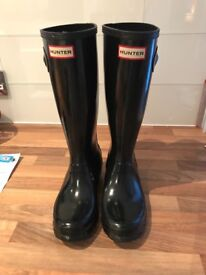 Tall black gloss Hunter boots