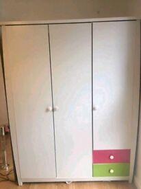 3 door and 2 draw wardrobe
