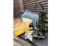 Bosch POF52 plunge router woodwork