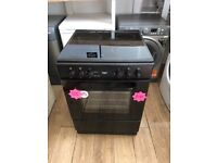 Black ceramic top single fan oven cooker, in excellent condition