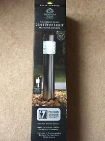 ( New and Sealed ) Signature Solar Checkered Glass 2 in 1 Post Light with PIR sensor