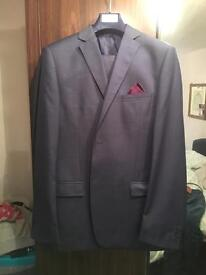 Brand new Daniel Hatcher mens 3 piece suit XL