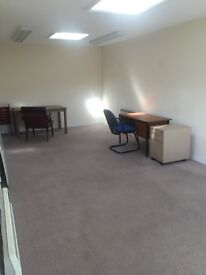 Large office to let 280 sq feet