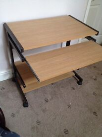 Desk wooden with retractable shelf