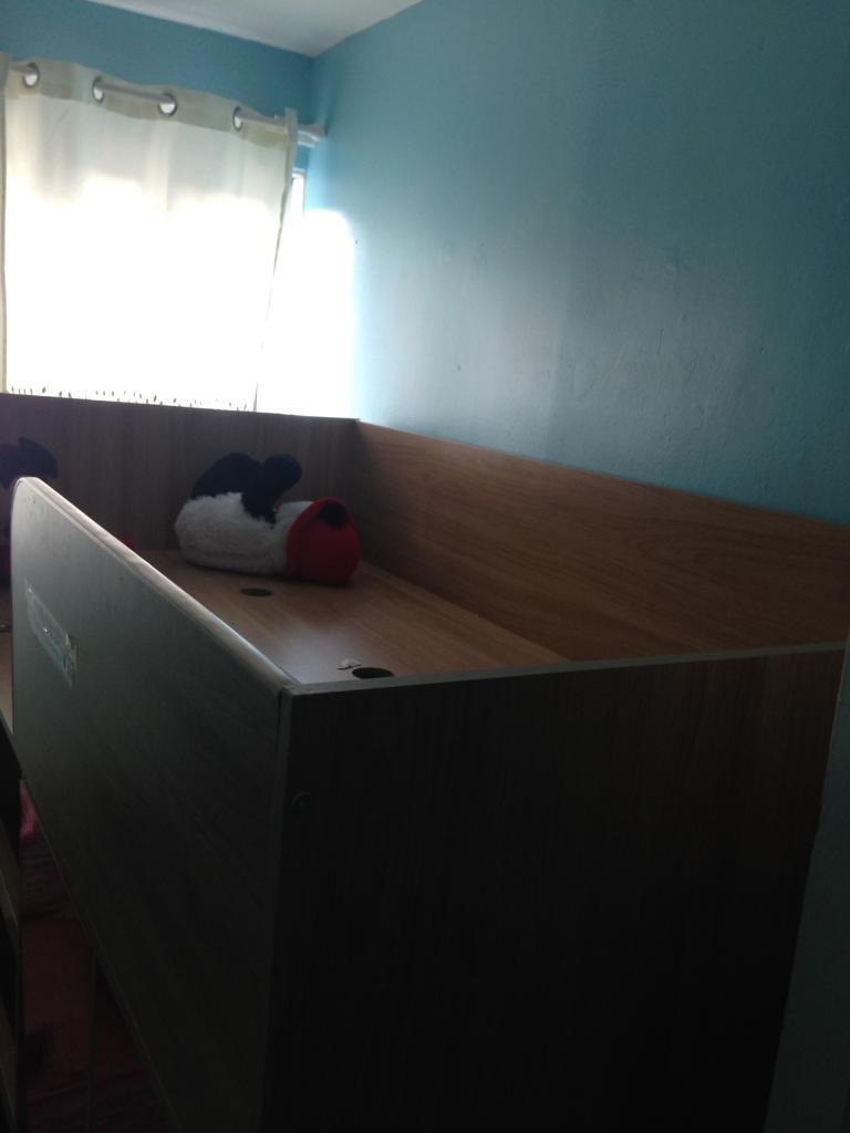 Bunk bed with desk & walldraw
