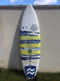 La Bomba 6'2 Surf Board with Bag and Leash